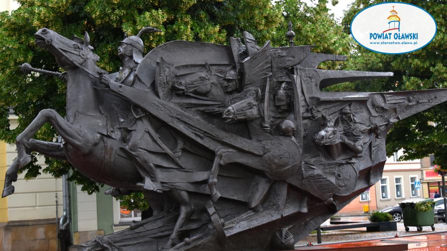 Pomnik króla Jana III Sobieskiego na oławskim Rynku.